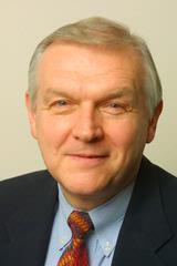 Andrew D Bunta